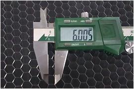 <span><br /> 常规铝蜂窝芯</span>
